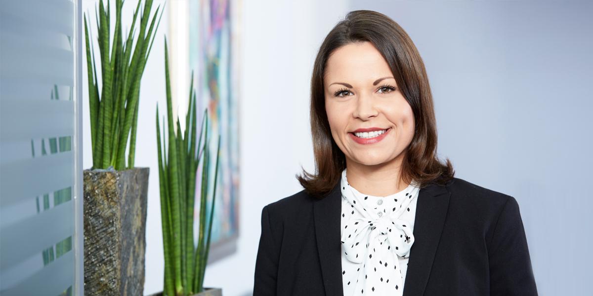 Dr. Lena Kuzbida, LL.M. Rechtsanwältin und Notarin